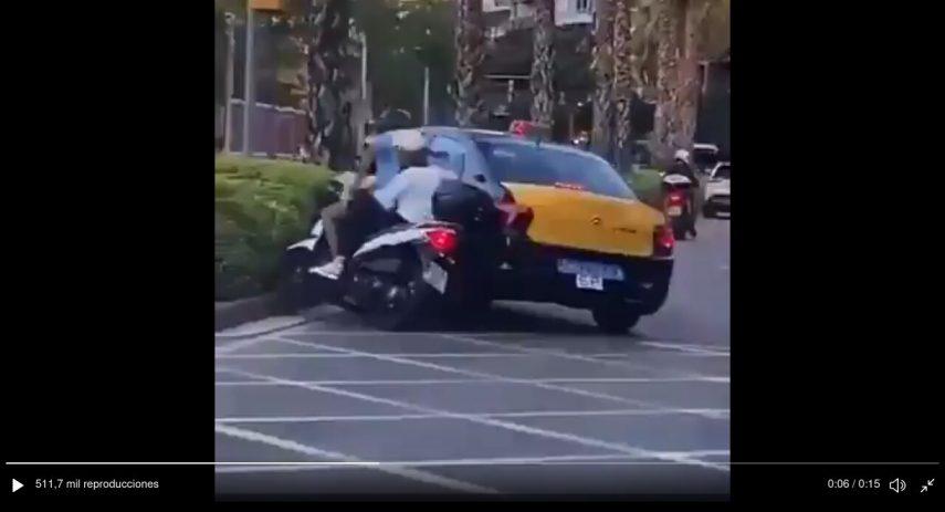 accidente taxista moto Barcelona 30 junio 2021