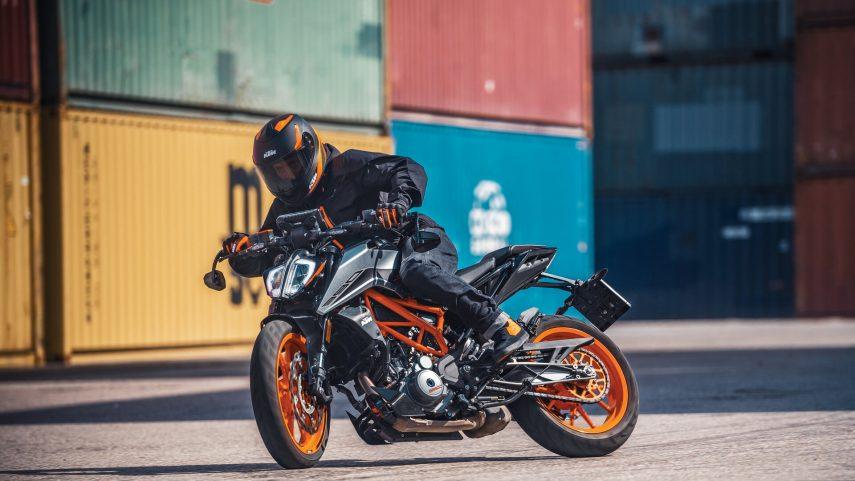 KTM 390 Duke 2021 1