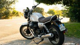 Moto Guzzi V7 850 Special 04
