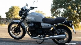 Moto Guzzi V7 850 Special 12