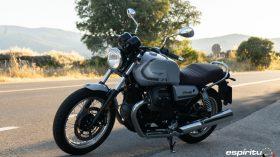 Moto Guzzi V7 850 Special 13