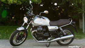 Moto Guzzi V7 850 Special 14