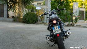 Moto Guzzi V7 850 Special 15