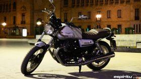 Moto Guzzi V7 850 Special 16