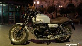 Moto Guzzi V7 850 Special 21