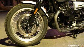 Moto Guzzi V7 850 Special 23