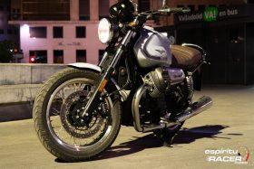 Moto Guzzi V7 850 Special 24
