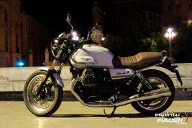 Moto Guzzi V7 850 Special 25