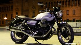 Moto Guzzi V7 850 Special 27
