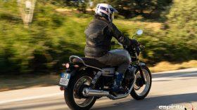 Moto Guzzi V7 850 Special 30