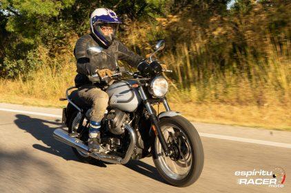 Moto Guzzi V7 850 Special 35
