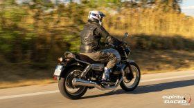 Moto Guzzi V7 850 Special 37