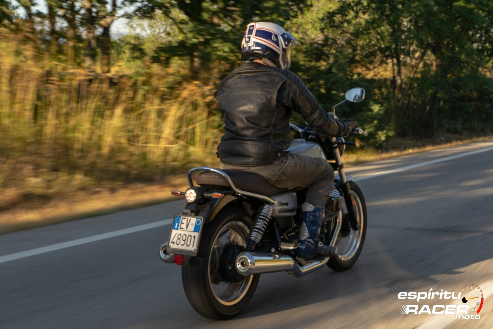 Moto Guzzi V7 850 Special 41