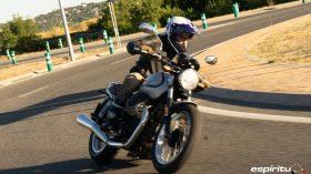 Moto Guzzi V7 850 Special 45