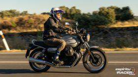 Moto Guzzi V7 850 Special 48
