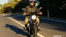 Moto Guzzi V7 850 Special 52