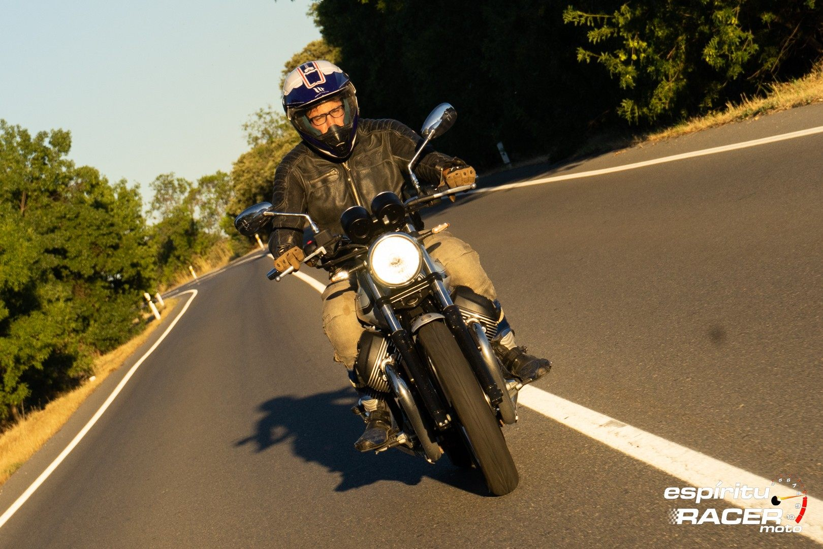 Moto Guzzi V7 850 Special 53