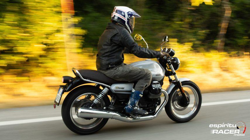 Moto Guzzi V7 850 Special 57