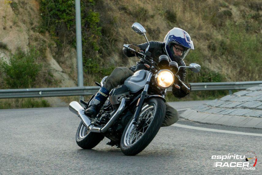 Moto Guzzi V7 850 Special 65
