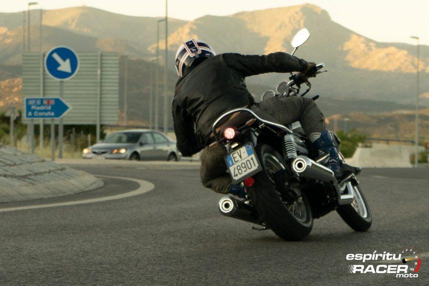 Moto Guzzi V7 850 Special 66