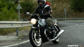 Moto Guzzi V7 850 Special 68