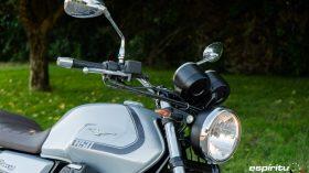 Moto Guzzi V7 850 Special 79