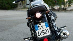 Moto Guzzi V7 850 Special 80