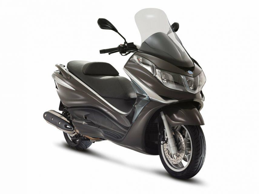 Moto del día: Piaggio X10 500